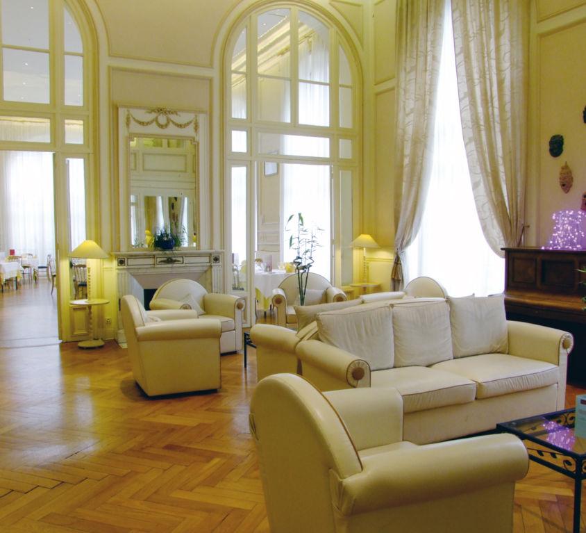 St-Nectaire-Mercure-Salon01